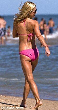 kelly ripa in the hamptons | Kelly Ripa (Pink Bikini) and Husband Marc Consuelos @ Beach in ...