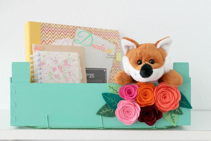 Dneda decorar cajas caja de frutas reciclada flor de - Cajas de fresas decoradas paso a paso ...