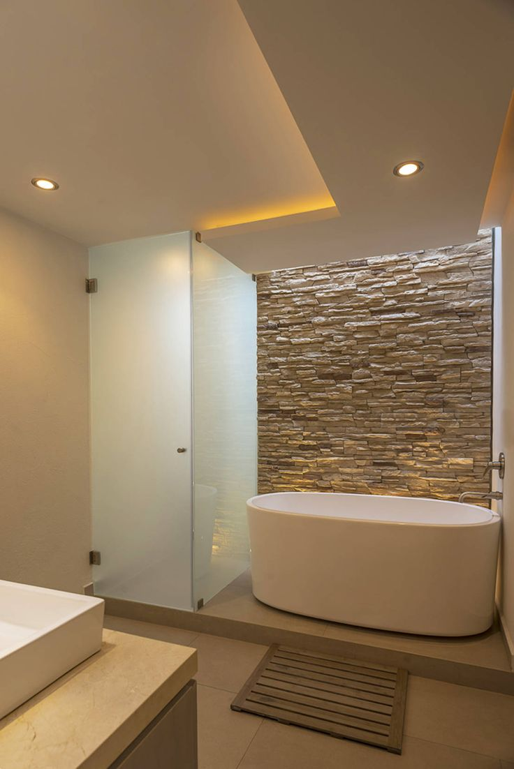 CASA EG : Baños modernos de ROMERO DE LA MORA