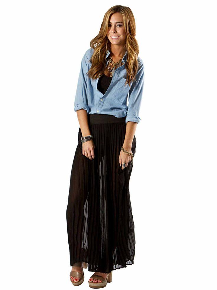 Solemio | Pleated Maxi Skirt in black www.sabrinascloset.com