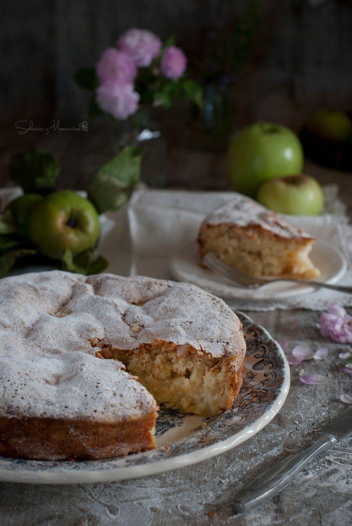 Pastel de Manzanas {receta de la sharlotka rusa}  4 manzanas Granny , 160g de…