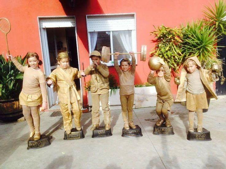Disfraz de trofeos deportivos   #disfraz #carnaval #costume #makeup #trofeo #trofeooro #premio #prize #thropycostume #grupo #group