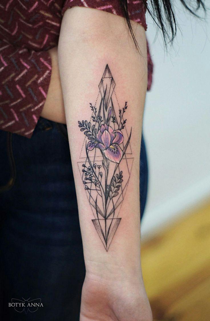 Тату ирис геометрия цветы дотворк лайнворк киев
