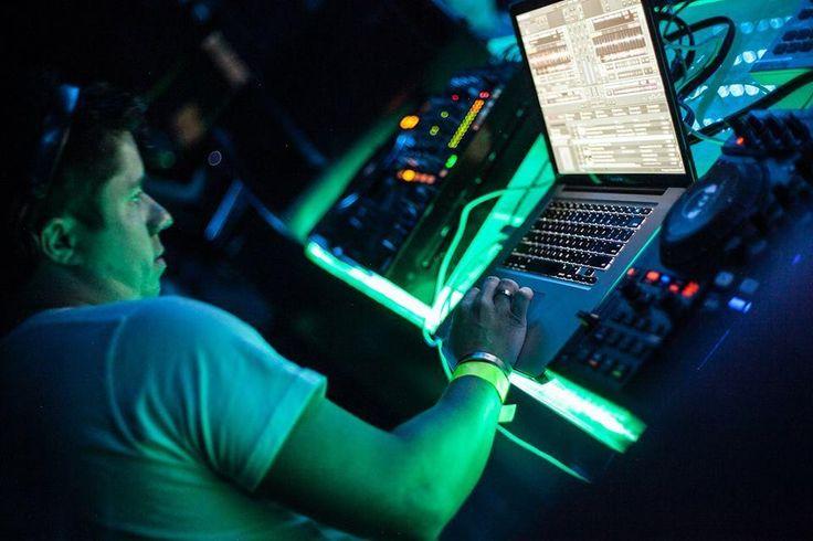¿Qué debo estudiar si quiero ser DJ o Productor?