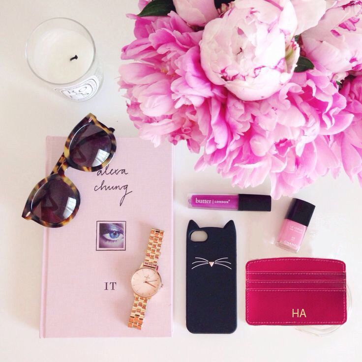 Cerise pink with gold embossed monogram initials personalised card holder / wallet ⒽⒶ Ⓓⓔⓢⓘⓖⓝⓢ