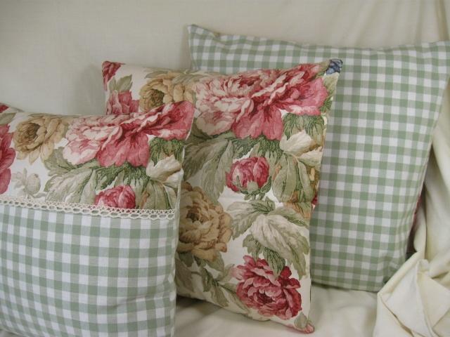 Google'i pildiotsingu tulemus http://www.kimberley-dawn-cushions.co.uk/images/Greens/Red_Country_Rose_Laura_Ashley_Gingham_with_Crochet_Trim_Cushion_3.jpg kohta