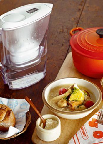 さつまいもにエリンギやマッシュルームのキノコ類、さらに豚塊肉を使ったシチューのような具だくさんスープのレシピ。さまざまな食感を楽しめて、栄養もたっぷりです。