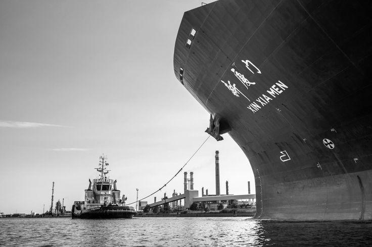 Issues raised by @UNESCO: passage of big cargo ships. #veniceheritageatrisk ph @SimonPadovani @awakeninginfo