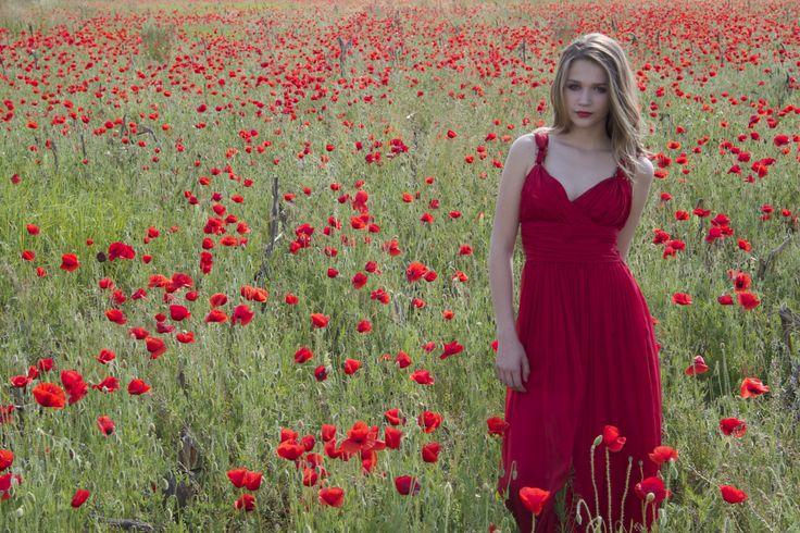 The poppy field- Pelote TM S/S Hair: Alex Szalamonidesz Make-up: Anna Noszvai Styling: C.Styling Photo: Krisztina Wilhelm