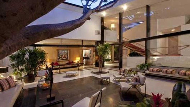 Mysterious Local Investor Buys Holmby Hills Brody House