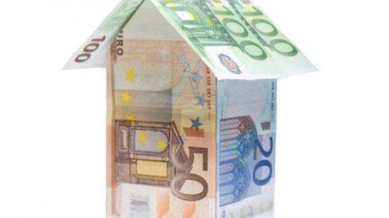 Il governo tira dritto sull'abolizione delle imposte sulla casa, nonostante lo scetticismo di Bruxelles. A beneficiare della sforbiciata sarebbero solo i