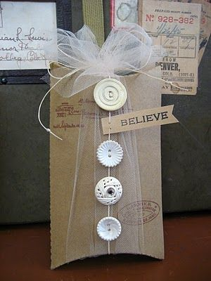 Buttons in a Row: Pillow Box, Craft, Gift Wrapping, Gifts, Wrapping Ideas, Packaging Idea, Buttons, Wrapping Gift