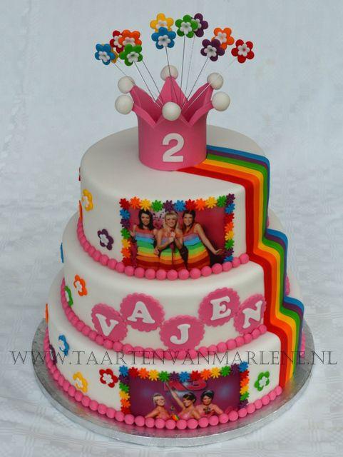 K3 taart met kroon.