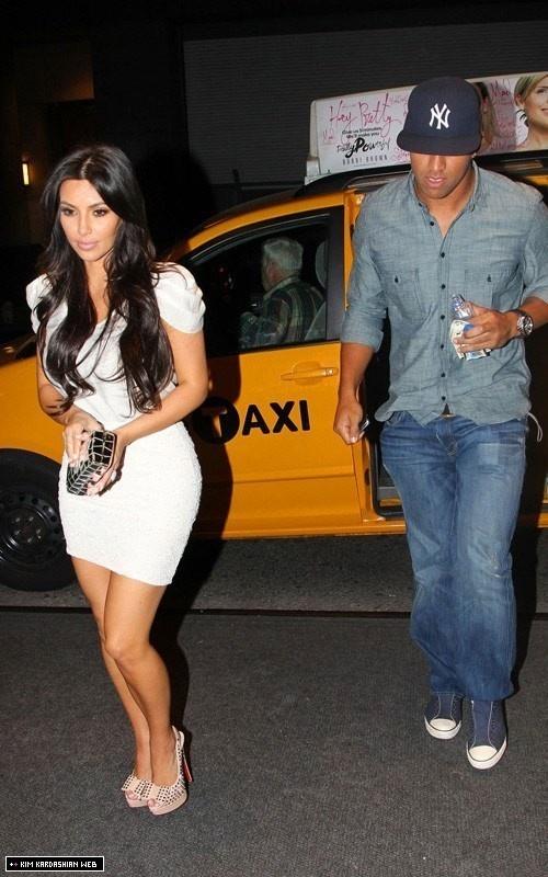Kim dines at STK restaurant with rumoured boyfriend Miles Austin - kim-kardashian Photo