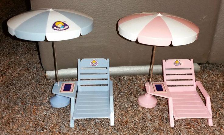 Träumerle Paradies Puppenstuben Möbel Vintage 2 Liegen mit Sonnenschirm
