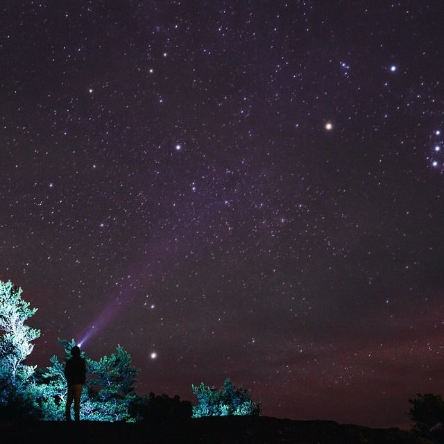 You don't need a big city to see bright lights in New Brunswick!  // Pas besoin de gratte-ciel pour s'approcher des étoiles au Nouveau-Brunswick.  Photo: @colinscamera