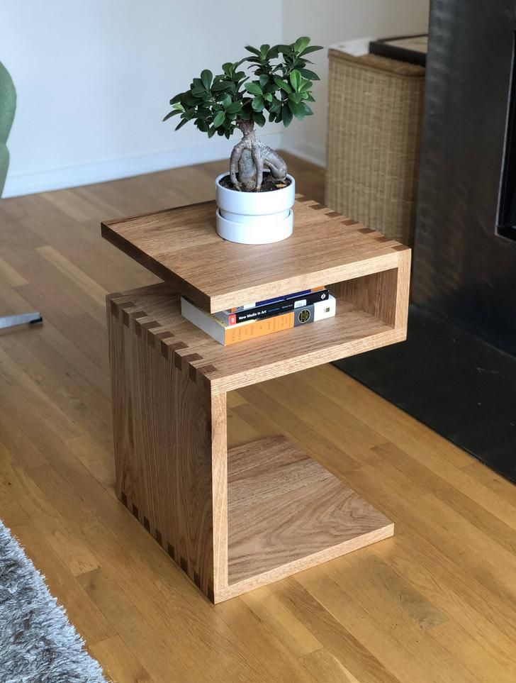 Red Oak Side Table My First Real Woodworking Project Oak Side Table Wooden Side Table Woodworking Table