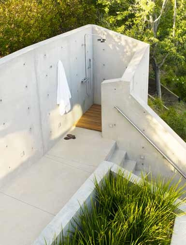 Idee: Dusche und WC im oberen Stock des Salons einbauen