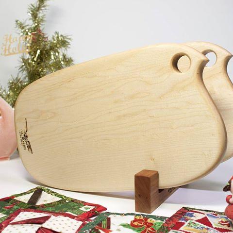 Happy Holidays~ [윙보드]윙스 베이비 메이플 이유식도마  모바일 핸드메이드 수공예장터 [아이디어스]나 네이버 카페 http://cafe.naver.com/wingboard 에서 만날 수 있습니다^^ #Happy Holidays #아이디어스 #이유식도마 #크리스마스 #크리스마스선물  #핸드메이드 #도마 #디자인 #나무도마 #빵도마 #치즈도마 #메이플도마 #월넛도마 #원목도마추천 #원목도마 #주방소품 #주방꾸미기 #인테리어 #집들이선물