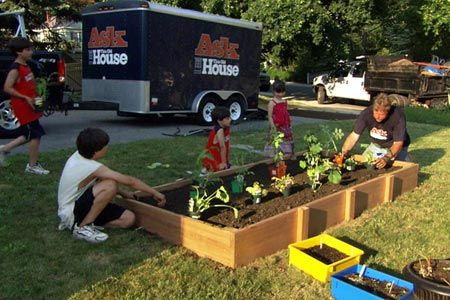 Photo: Ask This Old House TV | thisoldhouse.com | from How to Build a Raised Vegetable Garden