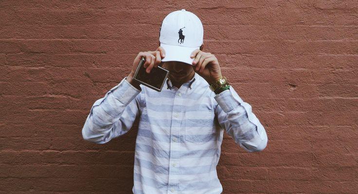 Stayclassy har fundet 6 stilede kasketter til mænd. Det er på tide, at mændene snart lægger deres snapbacks på hylden.  Kasketterne er fra Polo Ralph Lauren og Nike Sportswear.