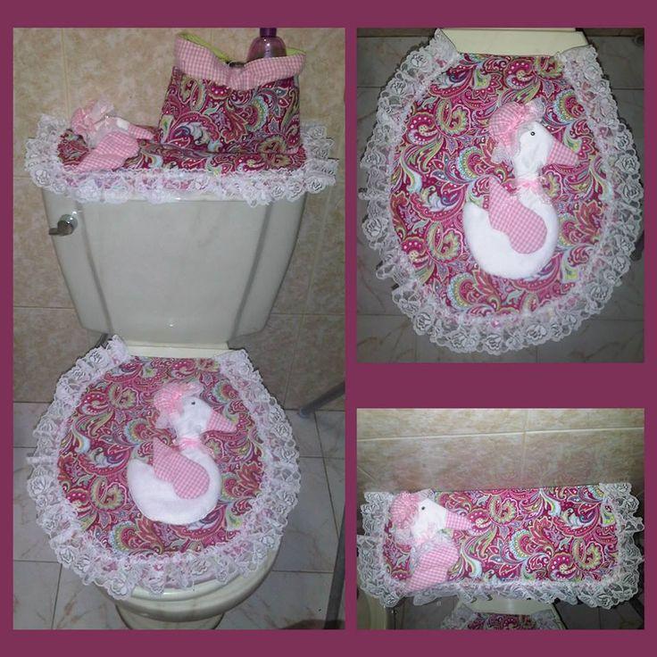 Conjunto decorativo para casa de banho (para a sanita, para o rolo de papel higiénico,..) em cor de rosa