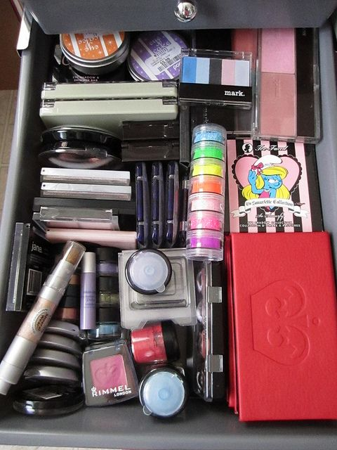 How To Organize Makeup Storage Drawers – 10 Real Life Examples | xo Dangercurves22