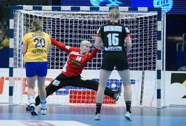"""Handball EM 2016: Deutschland bezwang Schweden mit dominantem """"Systemspiel"""" » Handball EM 2016 Frauen: Das letzte Hauptrundenspiel der Handball  ..."""