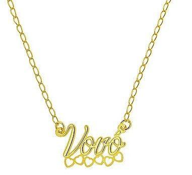 DESCRIÇÃO:Gargantilha folheada a ouro contendo um pingente escrito a palavra Vovó.GARANTIA:1 ano após a data da compraPRAZO DE LIBERAÇÃO:Até 48 horas (somente dias úteis)DIMENSÕES APROXIMADAS:-comprimento do pingente: 1,4 cm-largura do pingente: 2,4 cm-comprimento da corrente (sem extensor): 48 cm-comprimento da corrente (com extensor): 58 cm (pç)R$ 23,70 👉folheados.com/dmbf