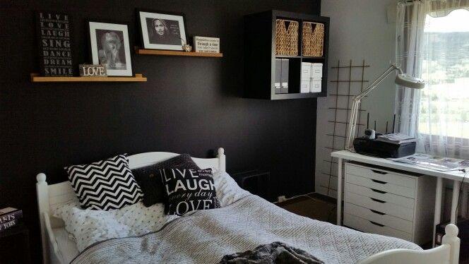 Soverom bedroom black&white
