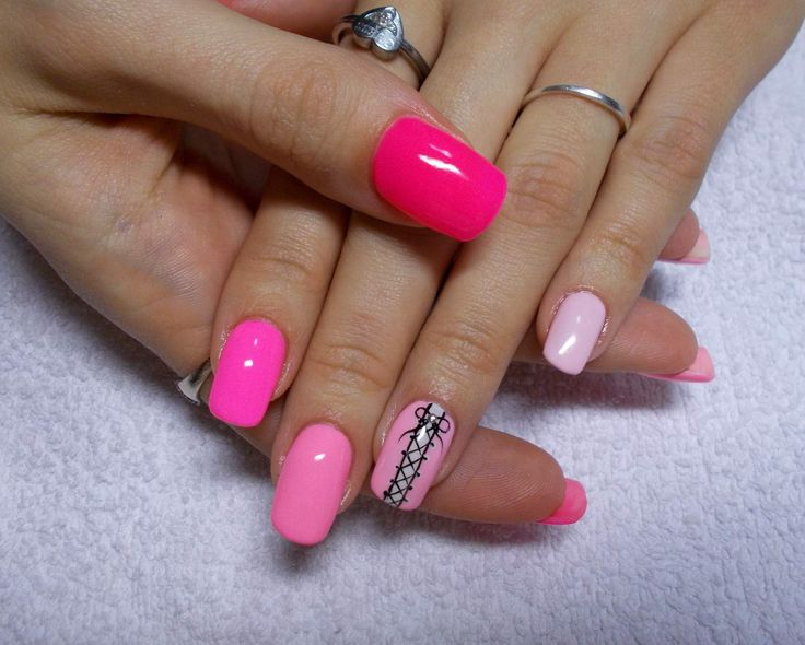 Wow ! These nails looks very sexy ... !