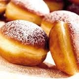 Polish packzi. My favorite is cream filled. These sure are fitness fuel. You eat one and need to workout after bc of all the delicious calories!