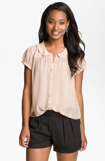 Peter pan collars are always lovely and a great wardrobe staple year after year.