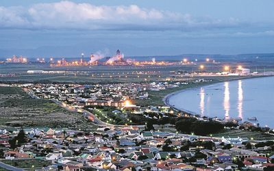 The Saldanha Bay Industrial Development Zone - Transnet National Ports Authority (TNPA) announced on 26 / 1 / 2015 infrastructure projects valued at R9.65bn at Saldanha Bay to improve its ability to serve the offshore oil and gas industry. The projects will create an estimated 6,300 new direct jobs and 25,200 new indirect jobs, & contribute an estimated R4.74bn to GDP. The 330ha Saldanha Bay IDZ was designated in 2013 as a zone dedicated to serving the oil & gas industry. #Saldanha #TNPA…