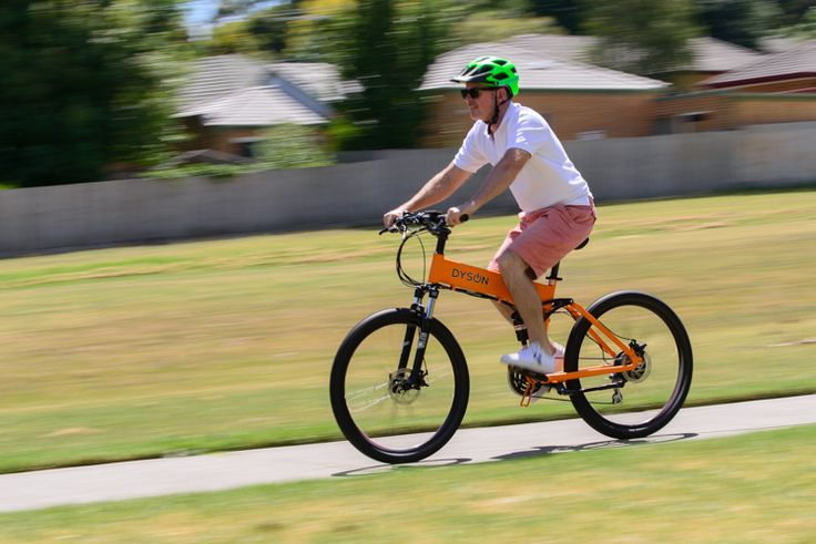 Dyson Bikes 26-inch folding electric bike in action.