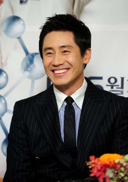 Shin Ha-Kyun (Brain)