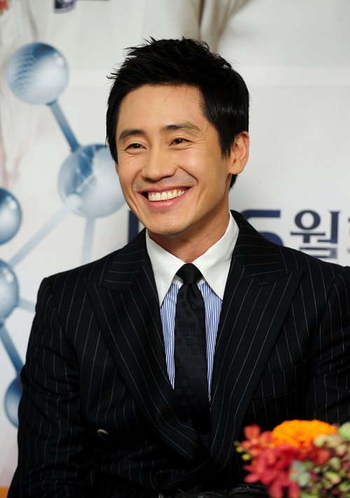 Shin Ha-Kyun (Brain)