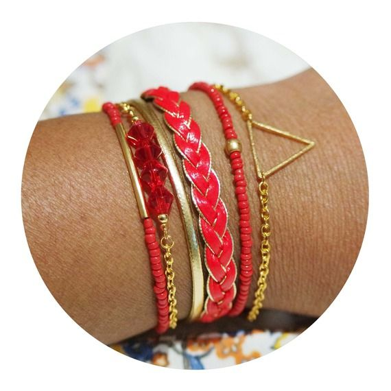 Bracelet bohème rouge fermoir aimanté doré