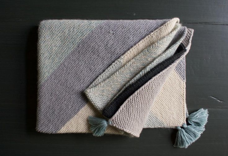 Knitting A Rectangle On The Bias : Rectangular colorblock bias blanket knitting