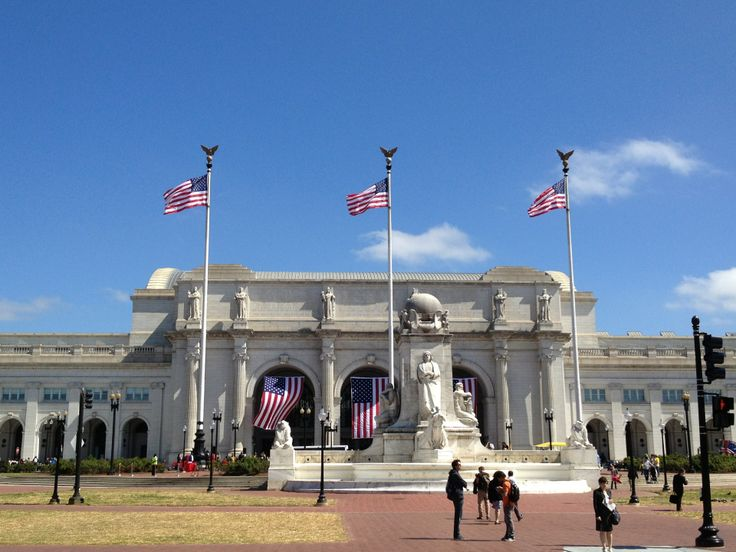Major transportation hub if you want to go on a Martz Gray Line sightseeing trip around D.C.