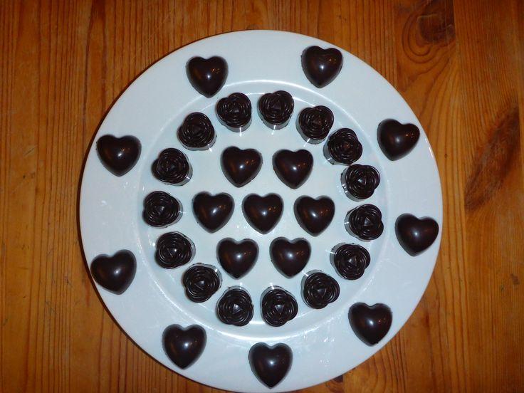 bonbons chocolat fourrés ganache chocolat, ganache choco-praliné et praliné, inspiré par l'encyclopédie du chocolat