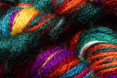 Instrucciones para tejer en un telar hexagonal | eHow en Español