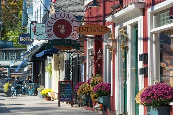 Southport, Connecticut is located along the Long Island Sound, with shops, restaurants and close to the beach, this is a perfect place to call home.