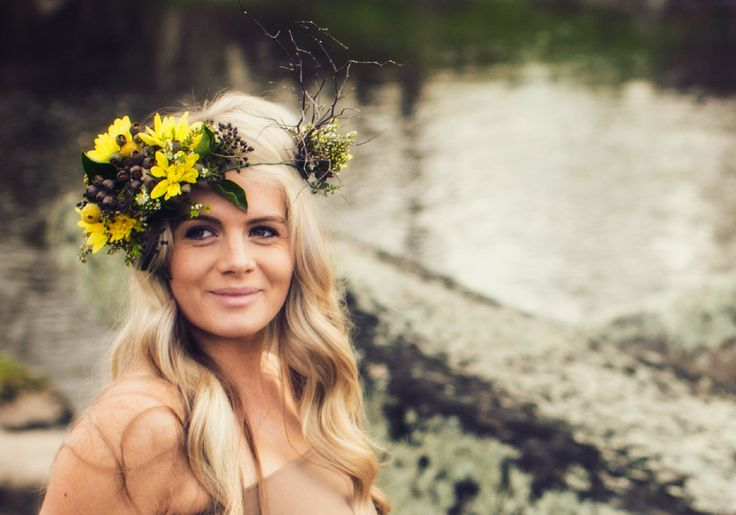 Photography by Lisa Nardella Photography. Flower Crown By Simply Stems Boutique Florist