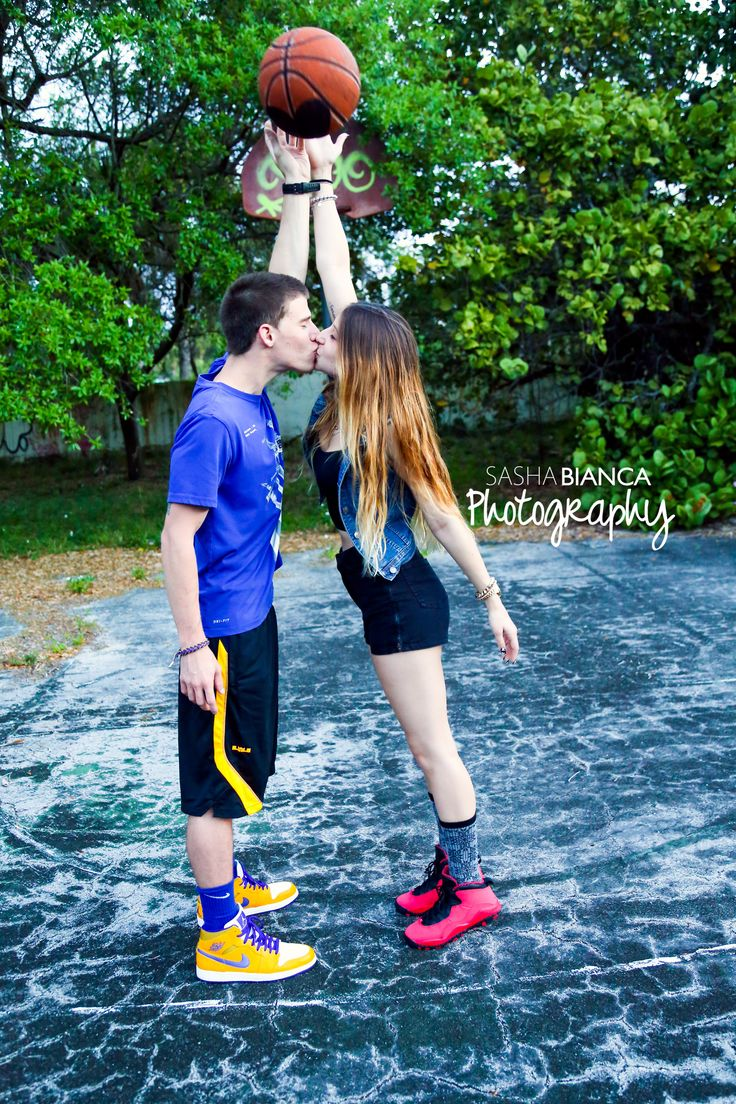 Sasha Bianca Photography | Portraits | Portrait Photography | Couples Photography | Couples Photo| South Florida Photographer | Outdoor Photo shoot | playing bball and kissing - couple's basketball photoshoot