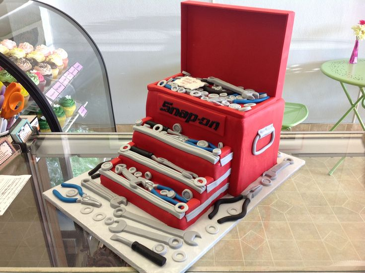 Tool Box Cake | by Angel Contreras