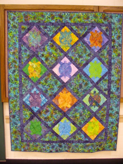 Quilt Patterns With Turtles : 1000+ images about Quilt turtle on Pinterest Quilt, To find out and Wall hangings
