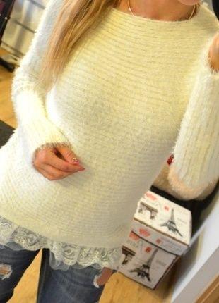 Kup mój przedmiot na #vintedpl http://www.vinted.pl/damska-odziez/swetry-z-dzianiny/10596894-wlochaty-sweterek-koronka-falbanka-bez