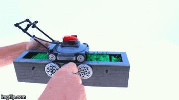 #lego #芝刈り #芝刈り機 #lawn-mower (Via:芝生を延々刈り続ける、レゴで作った芝刈り機が可愛い) これは面白い。 芝の目砂にK砂!