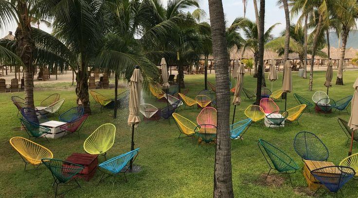 Conoce el Hotel Princess Mundo Imperial en Acapulco México. Mobiliario para espacios de exterior. Encuentra dónde comprar este diseño y Producto en Colombia.